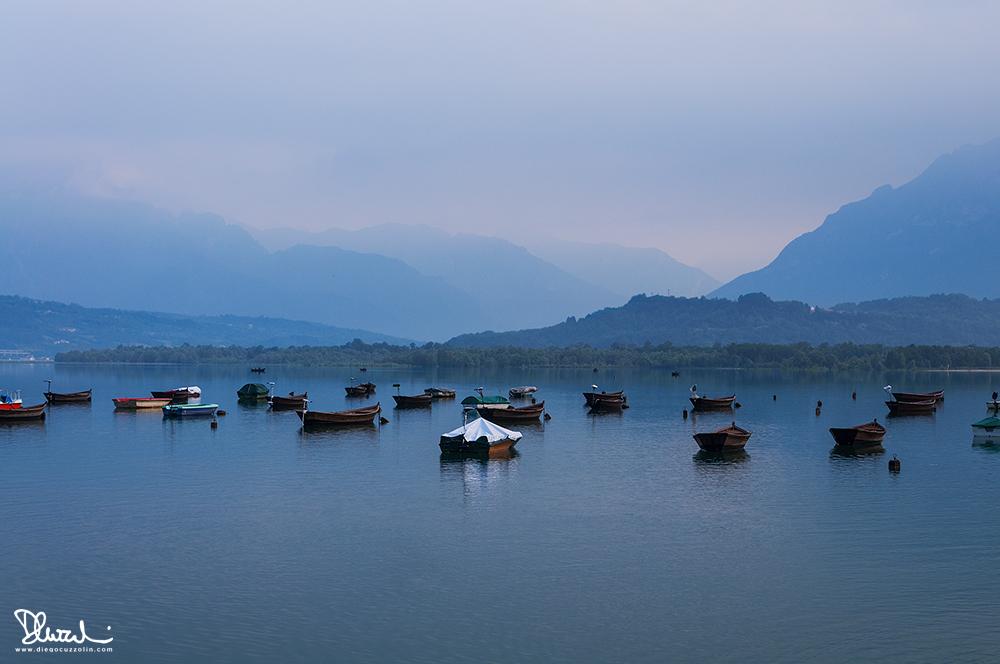 Tranquillità mattutina al Lago di Santa Croce