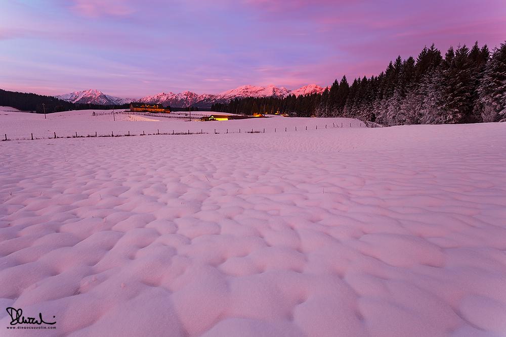 Riflessi rosa sulla neve
