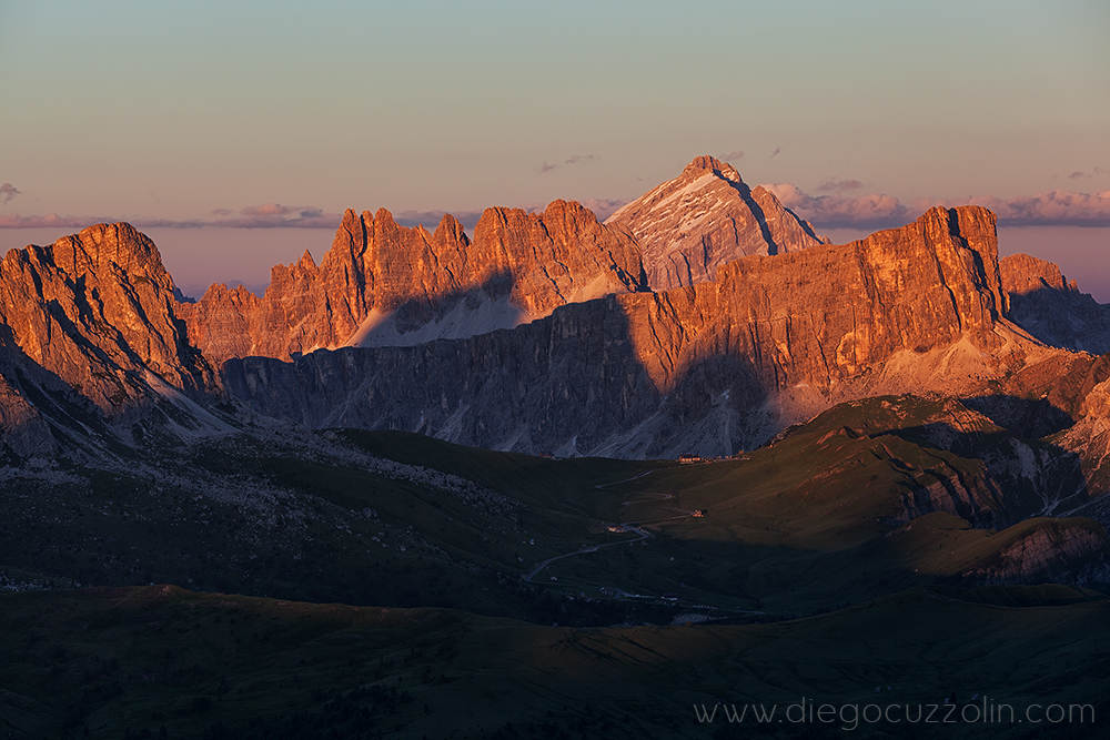 Gusela, Croda da Lago, Antelao e Lastoni di Formin al tramonto