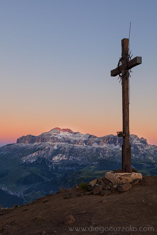 dalla croce del Col di Lana verso il Sella, subito prima dell'alba