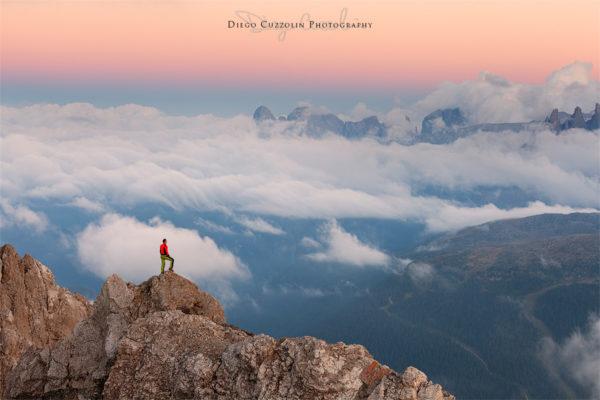 L'alpinista sulla cresta: il nostro essere piccoli, la grandiosità dell'ambiente, il senso di stupore