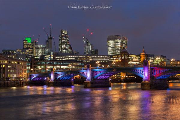 I grattacieli della City e il Southwark Bridge