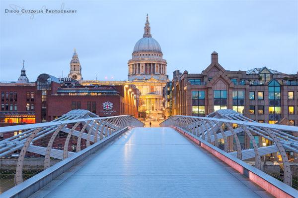 Alba su St Paul, dal Millennium Bridge